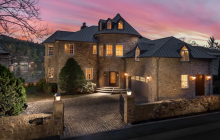 Villa Di Pietra – A Lakefront Stone Home In Lake Oswego, OR