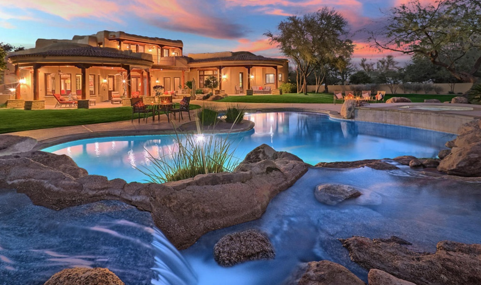 $2.9 Million Home In Paradise Valley, AZ