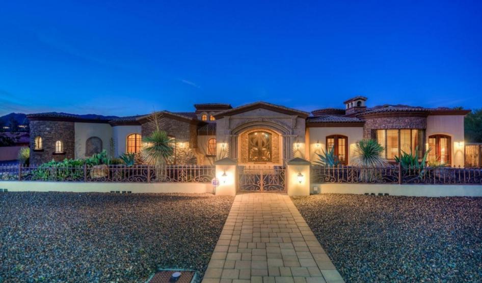 $3.395 Million Stone & Stucco Mansion In Paradise Valley, AZ