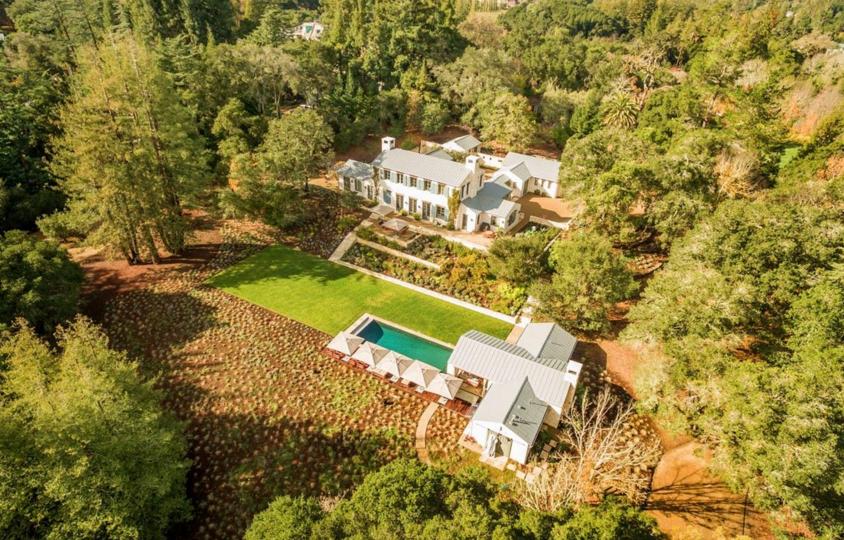 $14.5 Million  European Farmhouse Estate In Woodside, CA