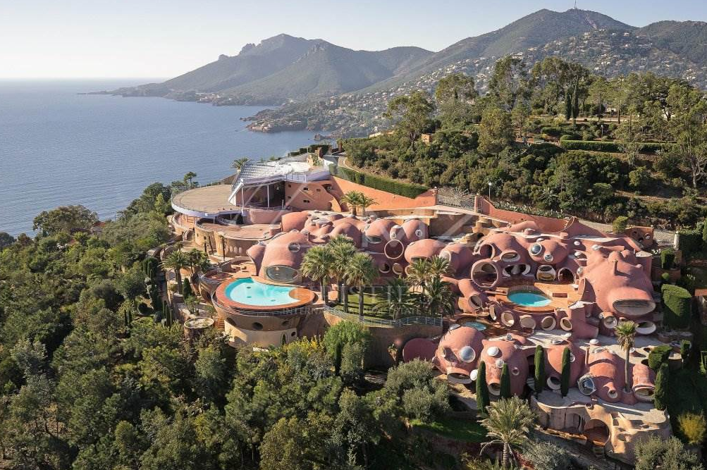 The Bubble Palace - A $300+ Million Villa In Provence-Alpes-Cote d'Azur, France