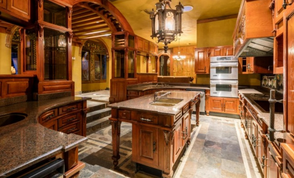 10 000 Square Foot Old World Style Mansion In Phoenix Az