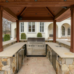 Outdoor Kitchen/BBQ