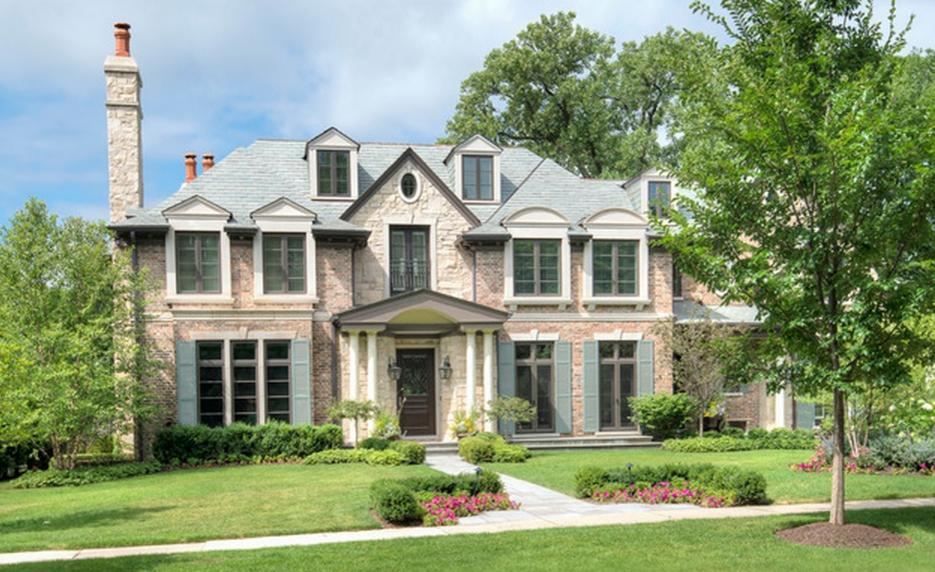 $3.9 Million Brick & Stone Home In Winnetka, IL
