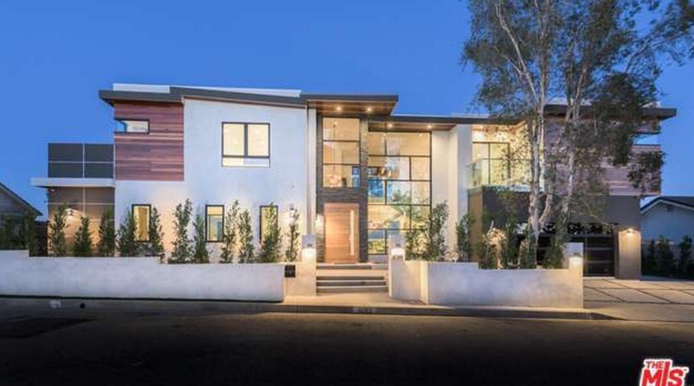 $9.495 Million Contemporary Home In Los Angeles, CA