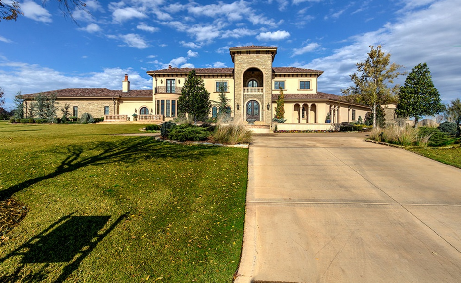 $3.595 Million Country Club Home In Oklahoma City, OK