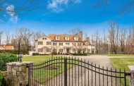 $3.7 Million Colonial Mansion In Ridgefield, CT