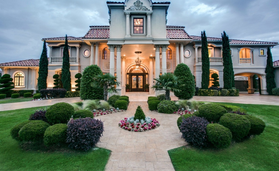 11,000 Square Foot Mediterranean Mansion In Plano, TX