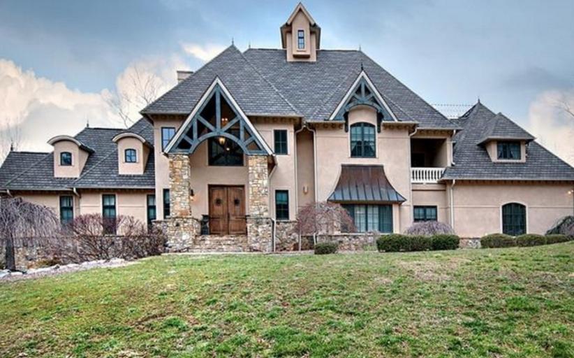$1.5 Million Stone & Stucco Mansion In Biltmore Lake, NC