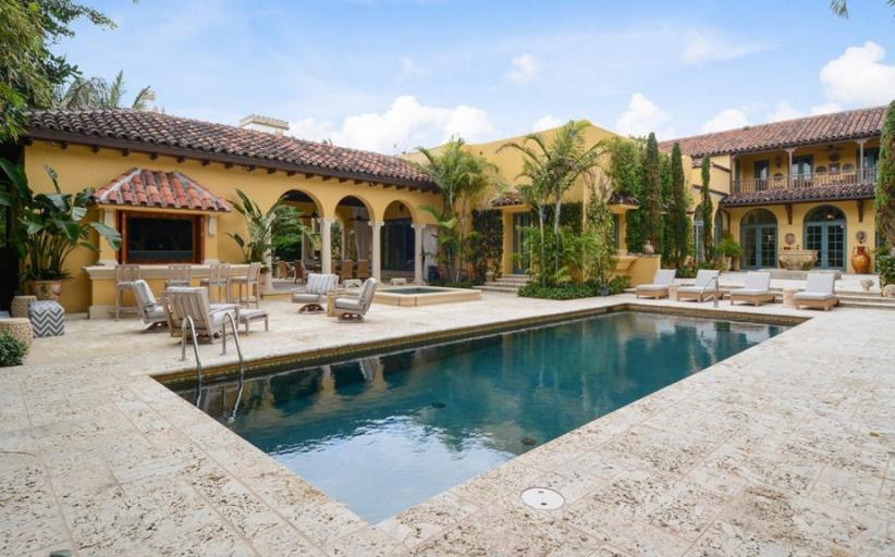 $32.95 Million Mediterranean Oceanfront Mansion In Palm Beach, FL