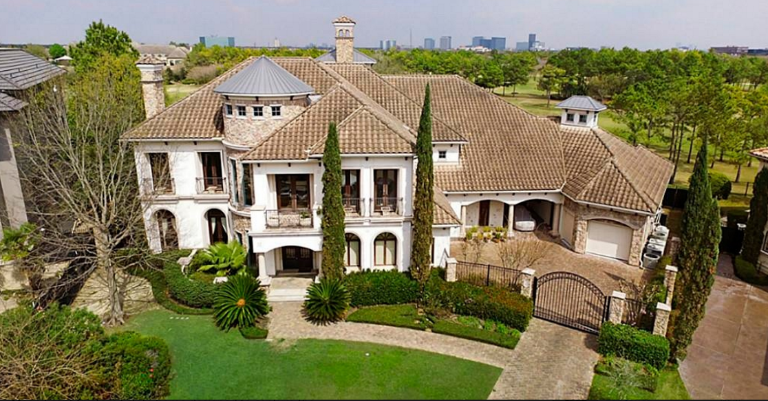 $2.45 Million Country Club Mansion In Houston, TX