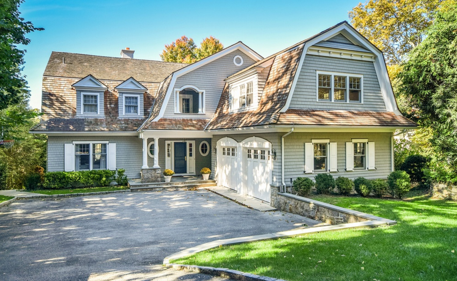 Million dutch colonial waterfront home in larchmont for Colonial style homes for sale