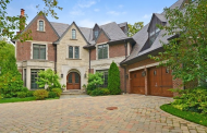 $3.3 Million Brick Mansion In Winnetka, IL