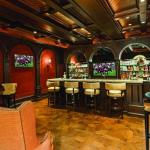 Club Room w/ Wet Bar