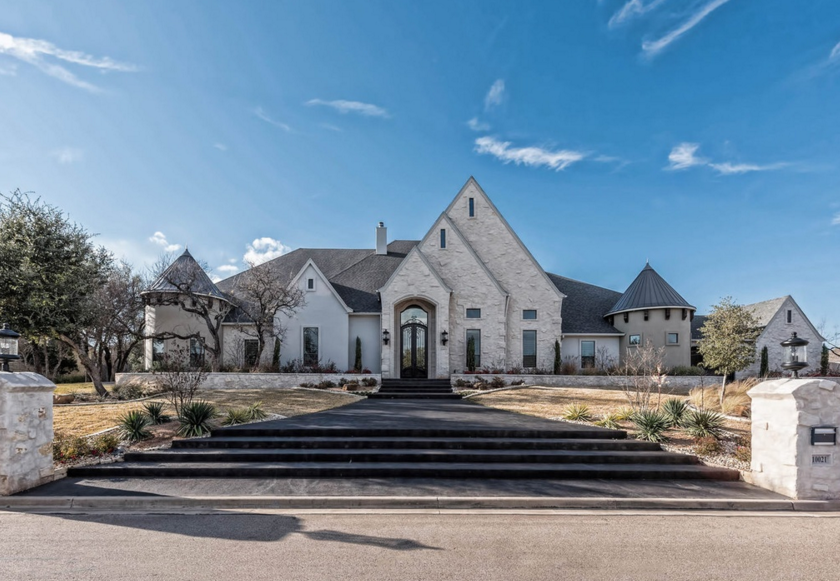 $1.8 Million Stone & Stucco Mansion In McGregor, TX