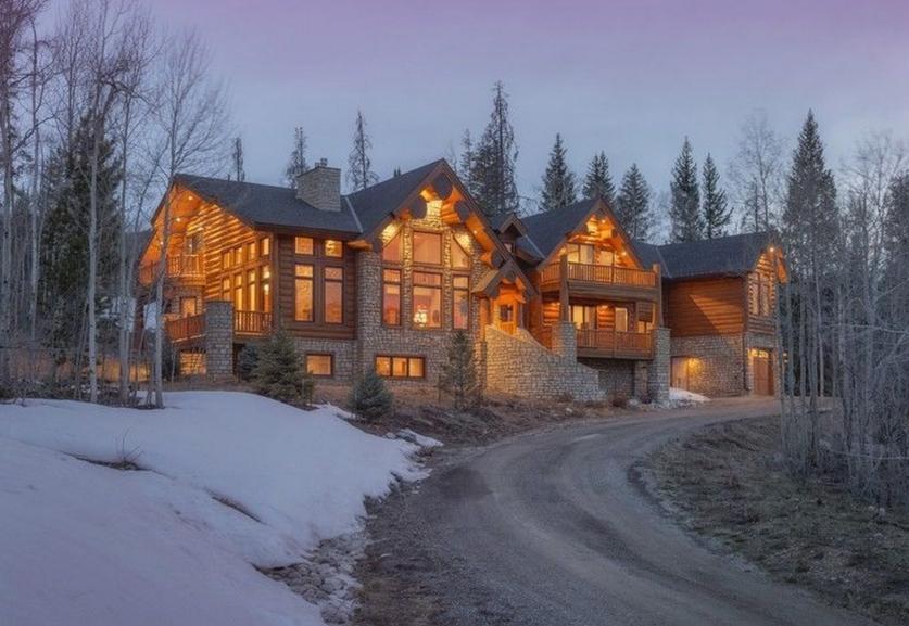$2.1 Million Log & Stone Mansion In Silverthorne, CO