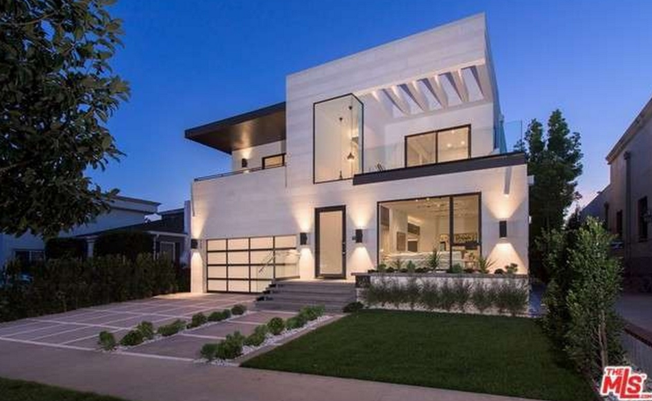 $4.795 Million Newly Built Modern Home In Los Angeles, CA