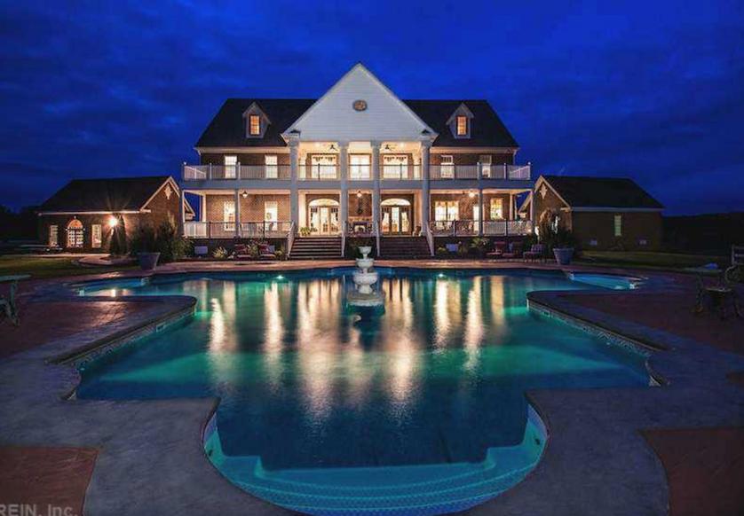$1.9 Million Plantation Style Mansion In Ivor, VA