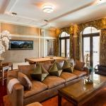 Billiards Room/Lounge w/ Wet Bar