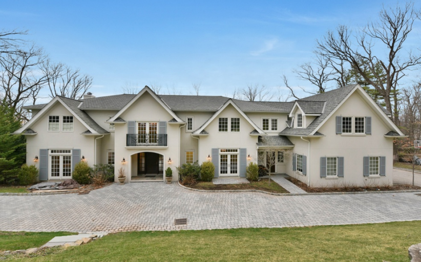 $3.8 Million Colonial Stucco Home In Tenafly, NJ
