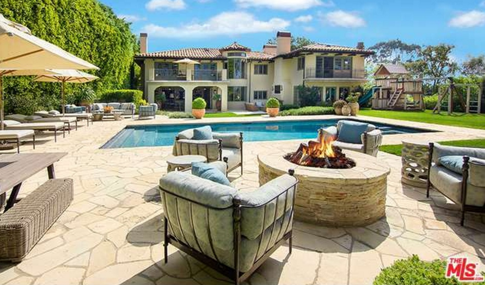 $11.65 Million Home In Pacific Palisades, CA