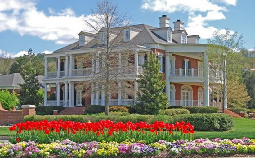 10,000 Square Foot Brick Mansion In Franklin, TN