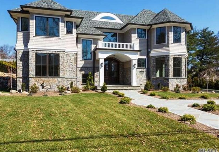 $3.4 Million Newly Built Stone & Cedar Home In Manhasset, NY