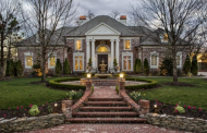 $1.3 Million Brick Mansion In Joplin, MO