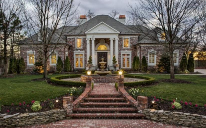 $1.3 Million Brick Mansion In Joplin, MO