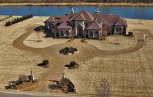 $1.9 Million Waterfront Home In Jackson, TN
