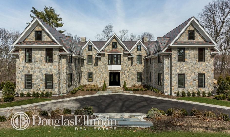 $4.988 Million Newly Built Stone Mansion In Syosset, NY
