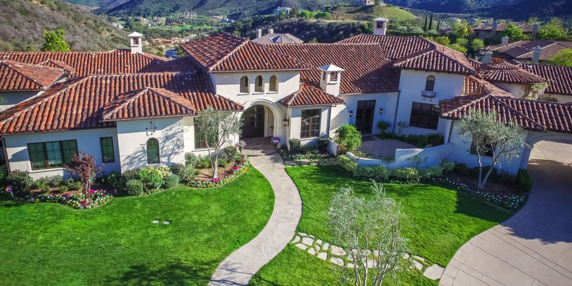 Britney Spears Lists Thousand Oaks, CA Mansion For $8.995 Million
