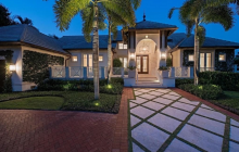 $5.65 Million Waterfront Home In Naples, FL