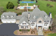 $1.85 Million Colonial Mansion On 22 Acres In Leesburg, VA