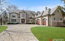 $2.4 Million Brick Home In Northbrook, IL