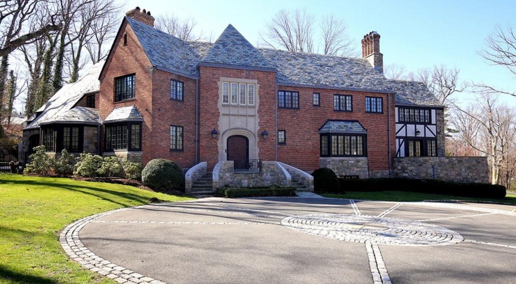 $4.95 Million Brick Home In Essex Fells, NJ