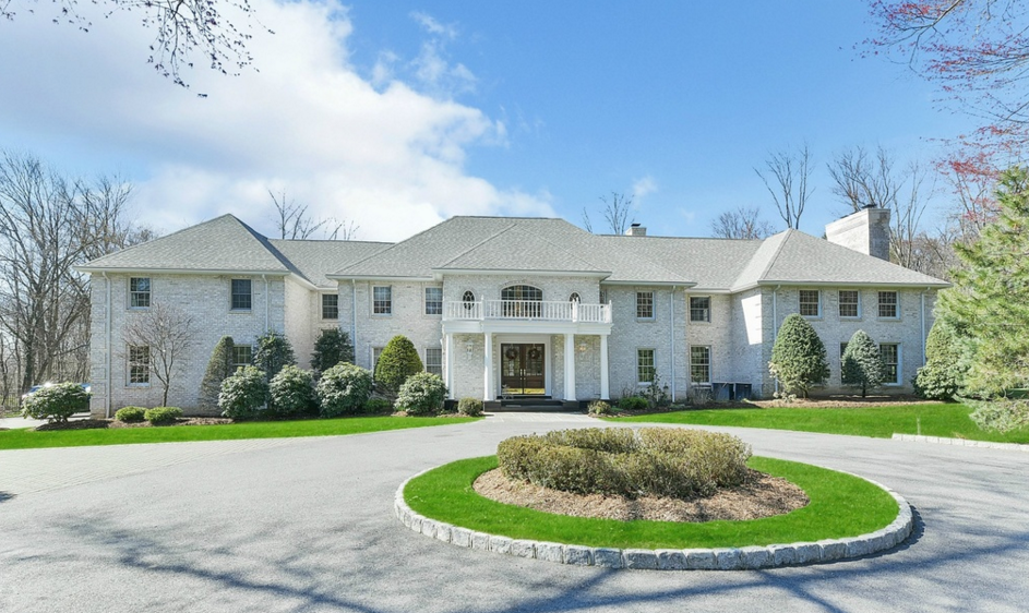 $2.2 Million Colonial Brick Home In Saddle River, NJ