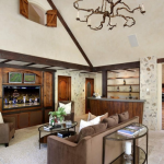Lounge w/ Wet Bar