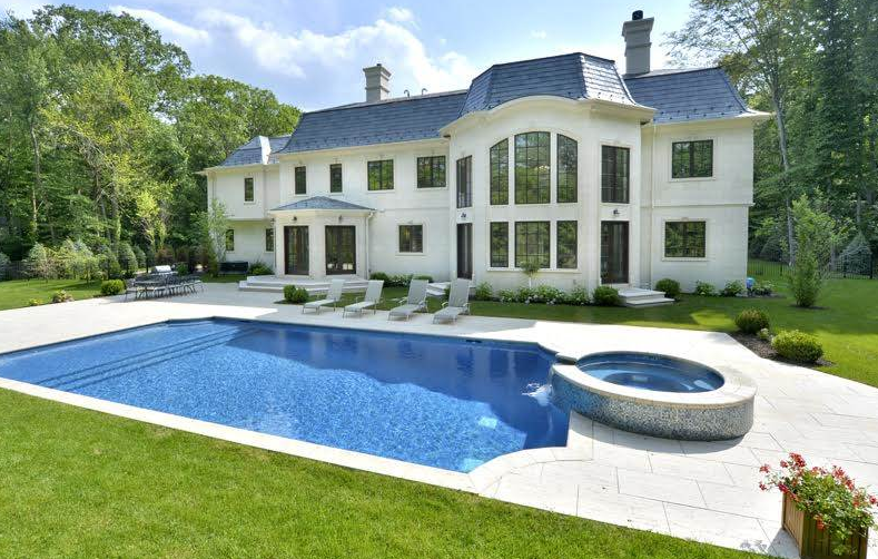 4 New Jersey Homes Perfect For Summertime Swimming