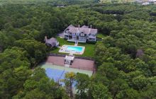 $5.995 Million Gambrel Style Estate In Water Mill, NY