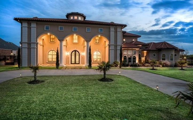 $1.65 Million Mediterranean Mansion In Cedar Hill, TX
