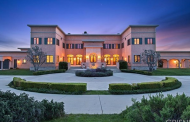 $6.995 Million Mountaintop Mansion In Calabasas, CA