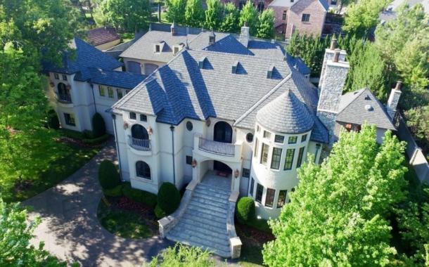 $2.79 Million Brick Mansion In Tulsa, OK