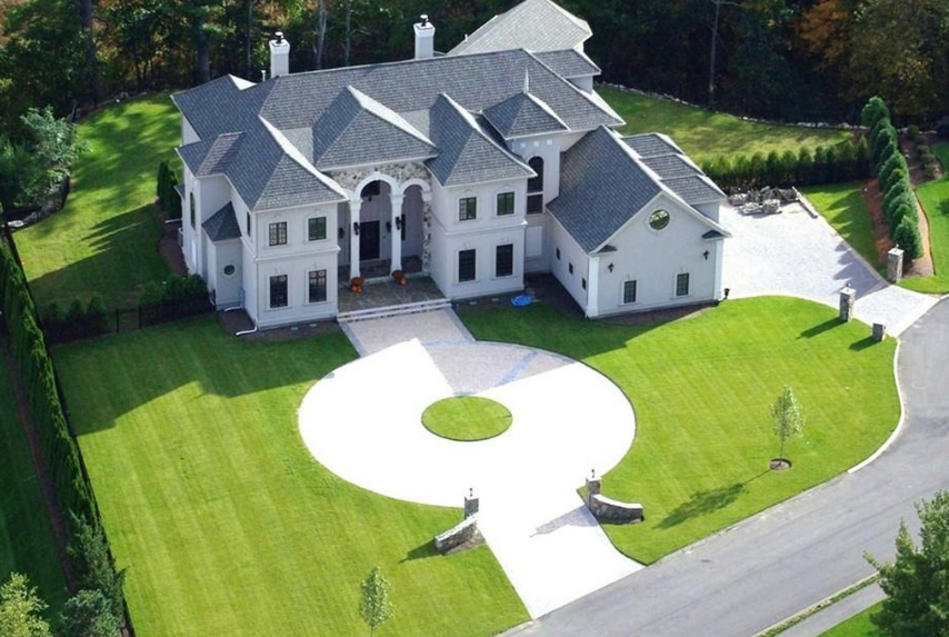 2 5 Million Mansion In Middleton Ma Homes Of The Rich