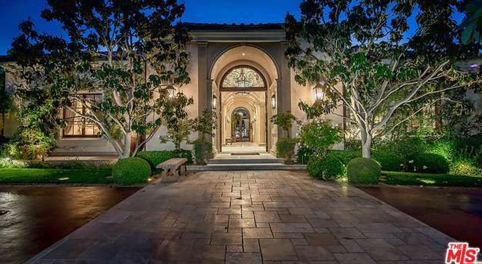 12 000 Square Foot Tuscan Inspired Mansion In Encino Ca