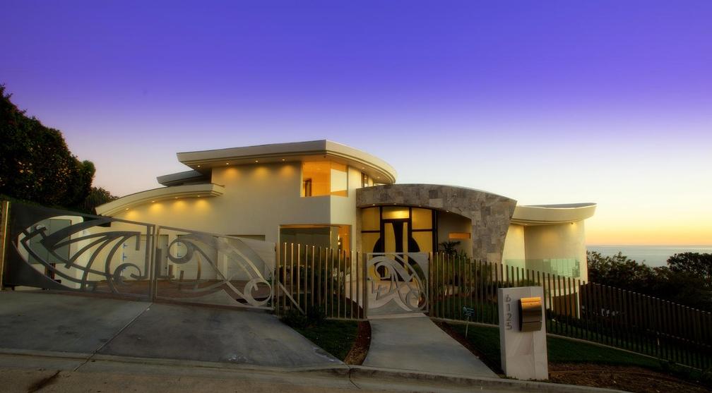 $12.9 Million Newly Built Contemporary Home In La Jolla, CA