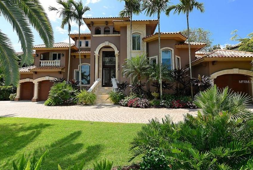 $4.995 Million Mediterranean Waterfront Home In Sarasota, FL