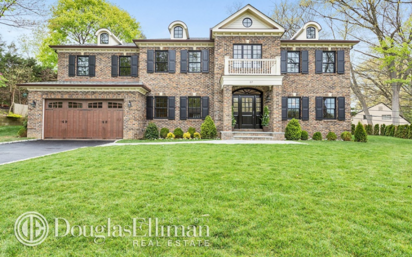 $3.5 Million Newly Built Colonial Brick Home In Manhasset, NY