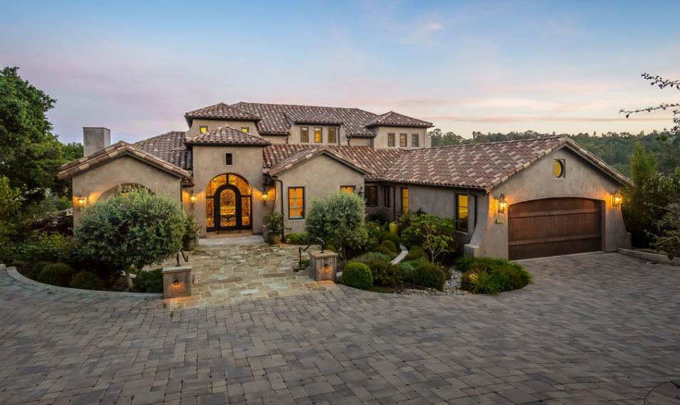 $4.895 Million Home In Burlingame, CA