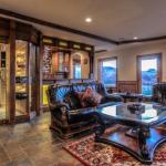 Wet Bar & Cigar Room